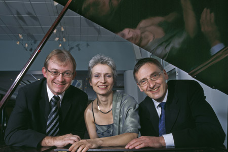 Trio Constance